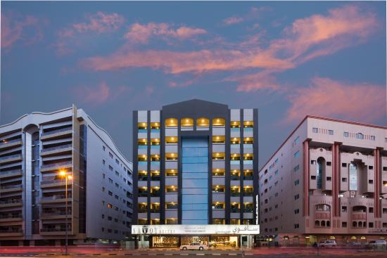 Savoy Suites Hotel Apartments: Hotel Exterior