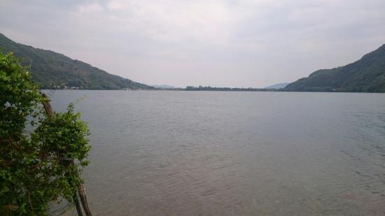 Lago di mergozzo foto van lago di mergozzo mergozzo for Lago di mergozzo