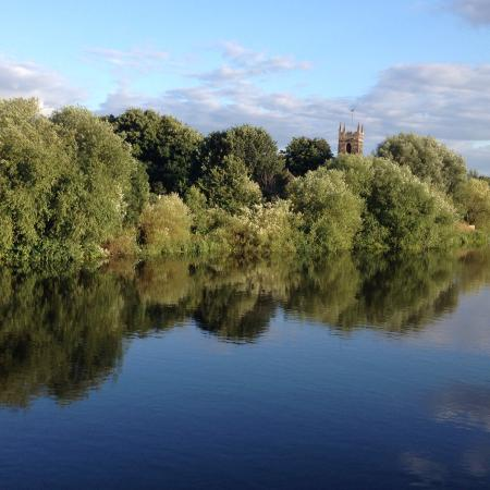 Travelodge Nottingham Riverside Hotel: Beautiful river just across the road