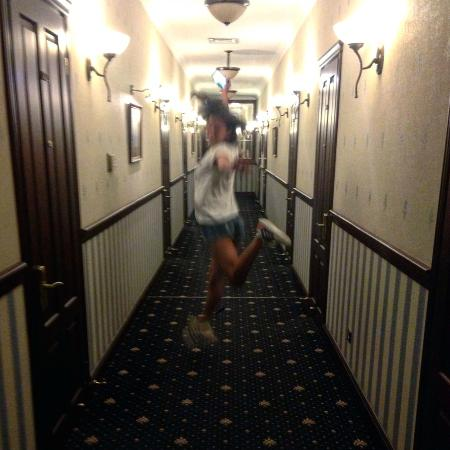 Hotel Ayvazovsky: третий этаж)