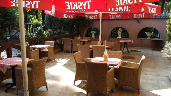 Siemianowice Slaskie, بولندا: RestaurangOutside