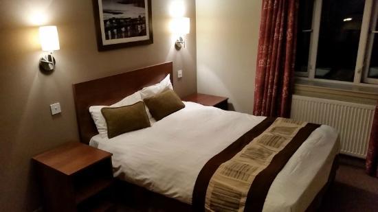 Wellington Hotel: bedroom