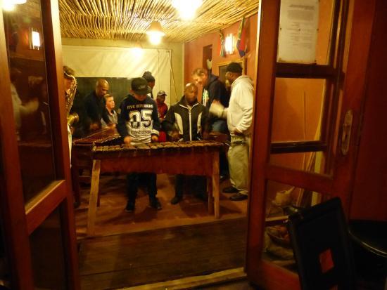 Inkululeko Freedom Tours : Great people, music and eating at Mzansi