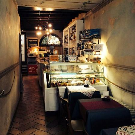 Caffetteria cavour treviso restaurantbeoordelingen for Immagini caffetteria