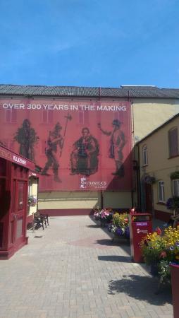 คิลเคนนี, ไอร์แลนด์: entrance