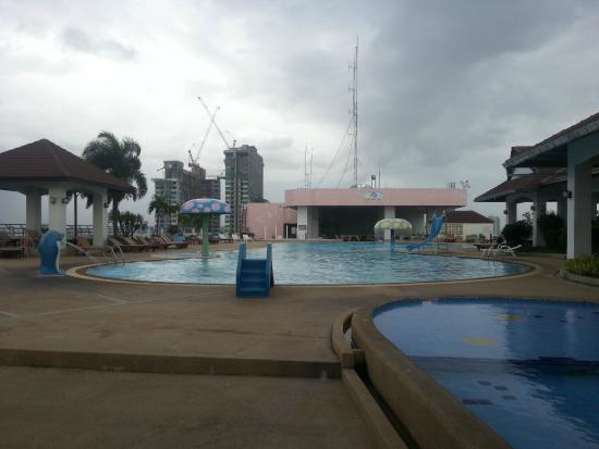 Swimming Pool On 10th Floor Picture Of Mike Shopping Mall Pattaya Tripadvisor