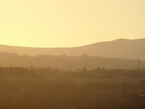 Isola d'Arbia, Италия: coucher de soleil sur les collines Toscanes depuis notre terrasse