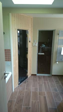 salle de bains avec sauna et hammam - photo de center parcs ... - Salle De Bain Avec Sauna