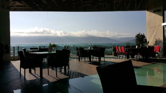 Courtyard Hotel @ 1Borneo: View from the outdoor restaurant on the 6th floor