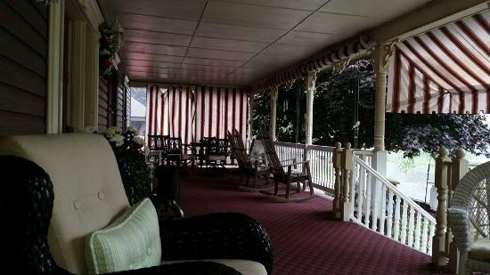 Turtle Bay Lodge: Front Porch - Had dinner here.