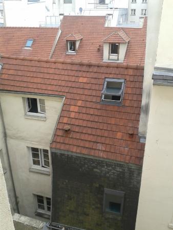 Tiquetonne : Dalla finestra del 5 piano