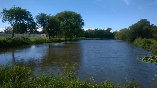 Warrens Village : Lakeside view