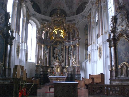 St. Augustine's Church: 教会内部