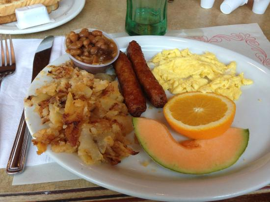 Green Spot Restaurant: Eggs and sausage