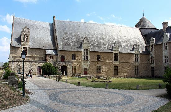 Chateau de Laval (Laval's Castle): chateau