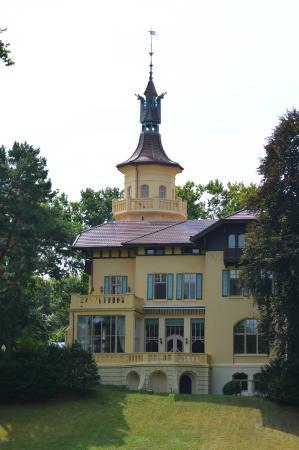 Hotel Schloss Hubertushöhe: Blick auf das Jagdschloss Hubertushöhe