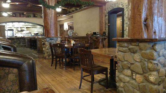 Antlers Inn: Downstairs Restaurant