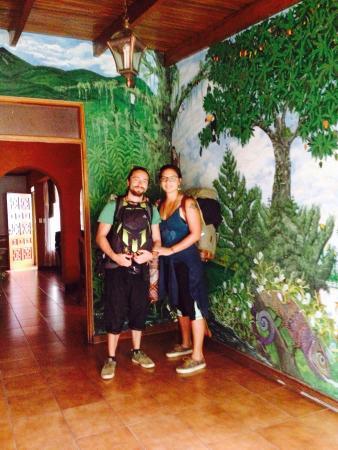 Hostel Mangifera: Hermosos murales en mangifera, pura vida <3