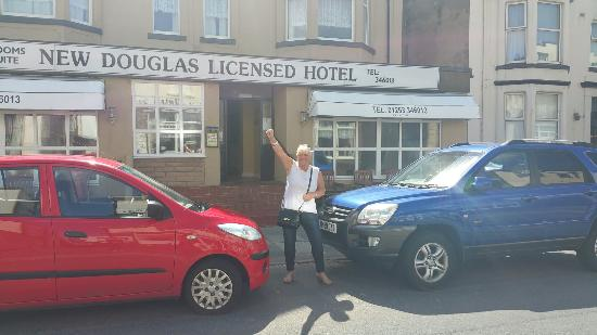 New Douglas Hotel