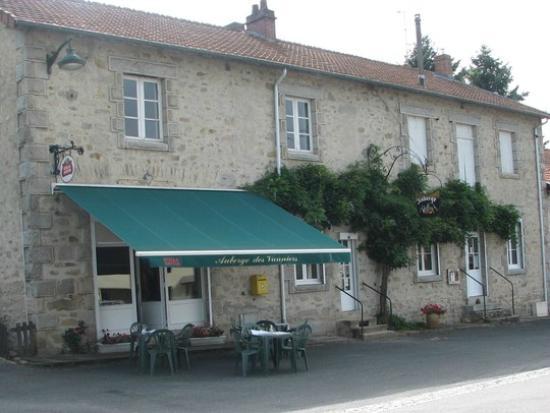 Ext rieur de l 39 auberge des vanniers feytiat photo de l for Auberge maison gauthier
