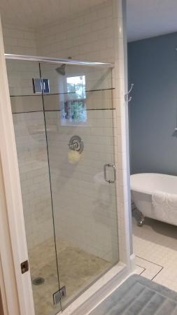 Sandpoint, ID: your own complete bathroom