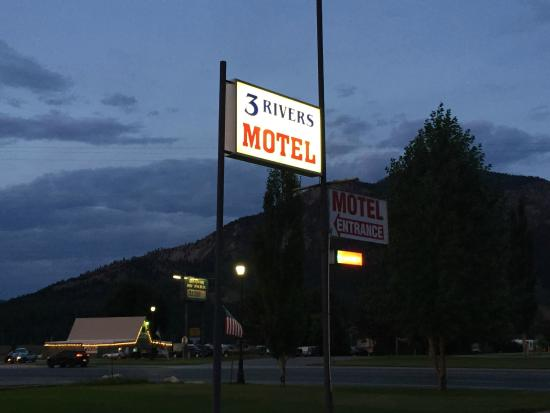 Alpine, WY: 3 Rivers's modest sign