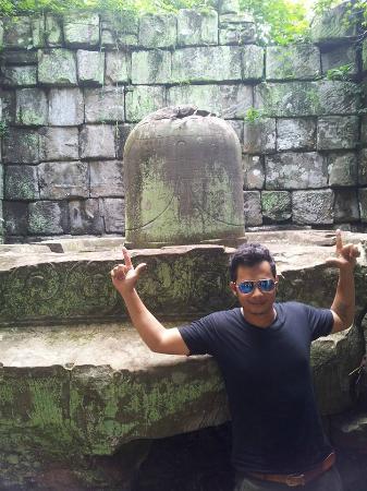 prasat Linga temple in Koh ker temple