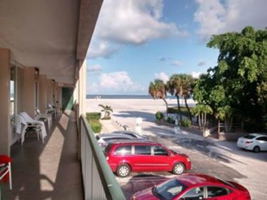 Beach Veiw From Room Bild Fr N Wyndham Garden Fort Myers Beach Fort Myers Beach Tripadvisor