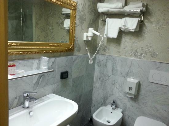 Canova Hotel: Bagno
