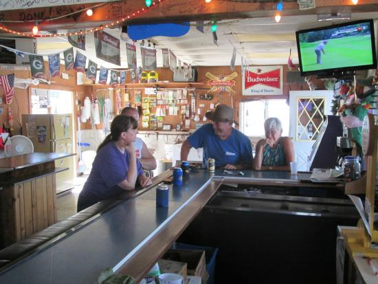 Winneconne, WI: Bar on the water