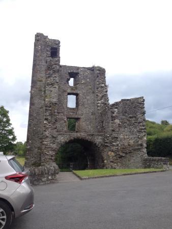 โดรกเฮดา, ไอร์แลนด์: Mellifont Abbey