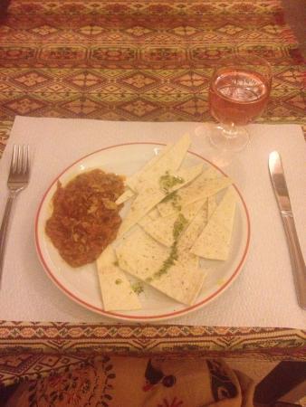 Alounak: Loved it! Beautiful staff and yummy food