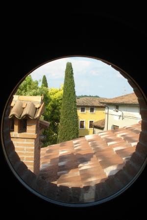 Il Giardino Delle Emozioni: Вид из окна второго яруса