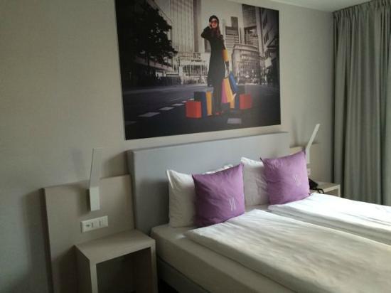 Hotel City Lugano: Our large, quiet room 2