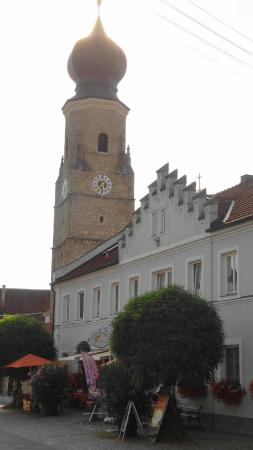 Wallfahrtskirche Maria Himmelfahrt zu St. Leonhard: Pfarrkirche St. Stephanus in 94072 Aigen am Inn (Bad Füssing, Niederbayern - Kreis Passau)