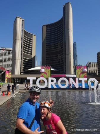 photo op in front of city hall love the toronto sign put up for pan
