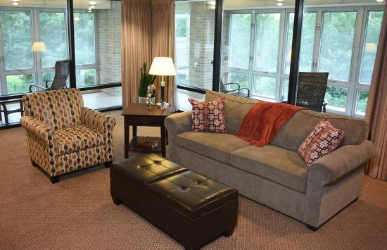 Oak Ridge Hotel and Conference Center: Executive Suite