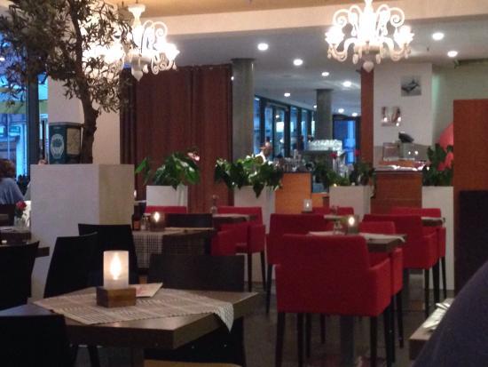 Restaurant Weinkeller Eiscafe Lazzaretti: Elegante e raffinato