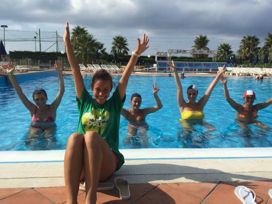 Enza alla lezione di idrobike in piscina picture of for Piscina g s roma 53 roma