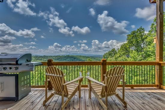 bluff sale mountain ridge blue listingscabins cabin cabins residential new property north mineral rental georgia for
