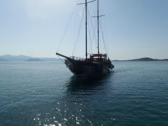 Naxos, Grekland: Santa Maria ερχεται στη Αγια Αννα