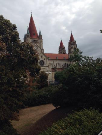 Trinitarierkirche zum Heiligen Franz von Assisi Photo