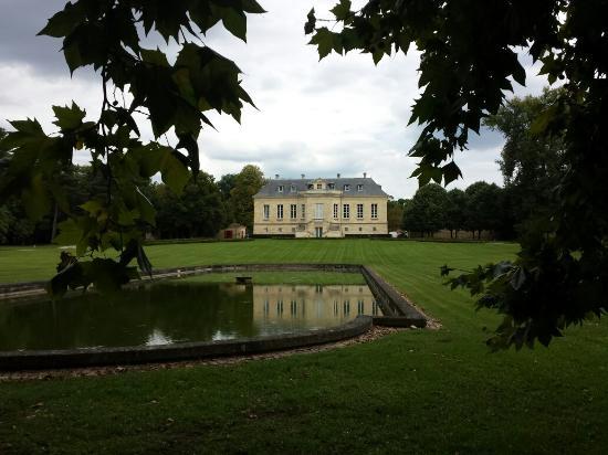 Chateau La Louvière