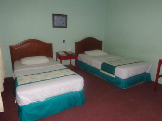 Natama Hotel: Two bed on Economy Class
