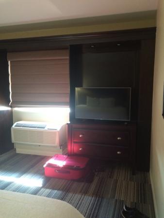Hampton Inn & Suites Omaha - Downtown: photo0.jpg