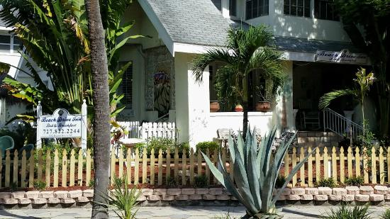 Beach Drive Inn Bed and Breakfast: A tour of the place
