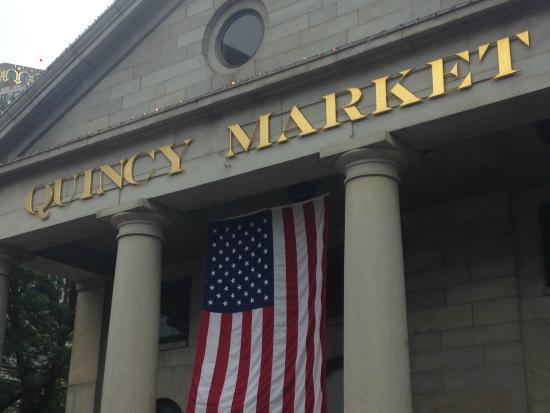 Bar en Quincy Market - Picture of Quincy Market, Boston ...