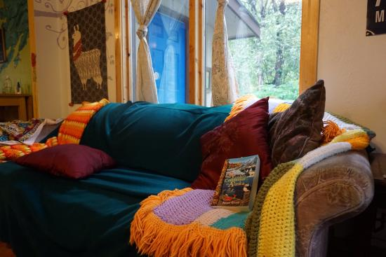 Talkeetna Alaska Hostel International: Very decorative and clean hostel