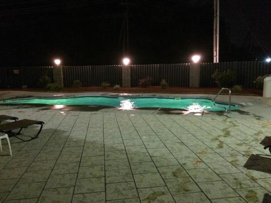 "Wyndham Garden Hotel Cross Lanes Charleston : Outdoor Pool in ""Green"""