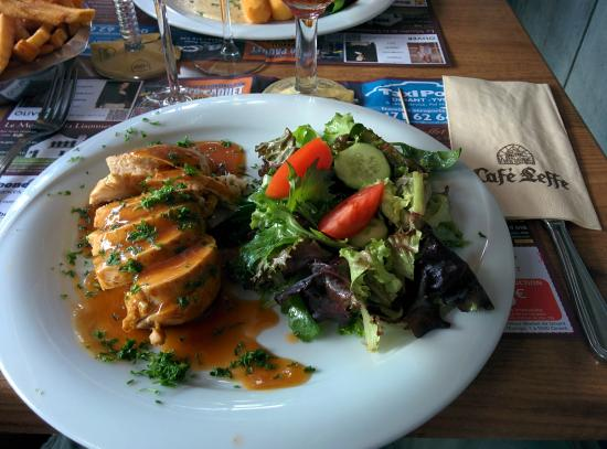 Cafe Leffe : A healthy and tasty chicken salad - the chips/fries are just out of shot